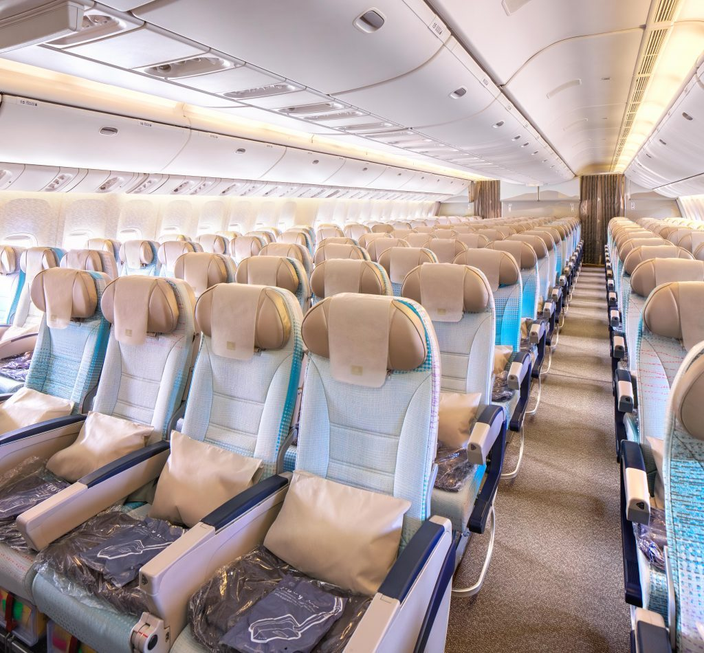 Emirates Finishes Boeing 777 200 Refresh Retires Classic 777 300 Fleet